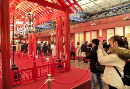 """展出近900件文物,故宫邀观众""""紫禁城里过大年"""""""