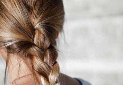 冬天头发干枯易断裂?五个夜间好习惯帮你养头发