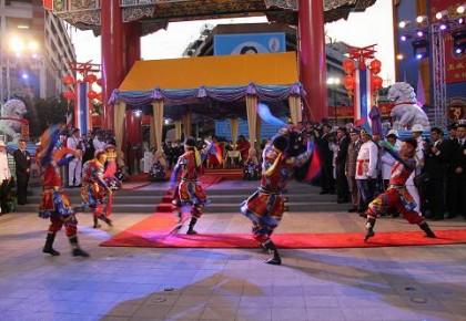 当春节文化活动走出唐人街