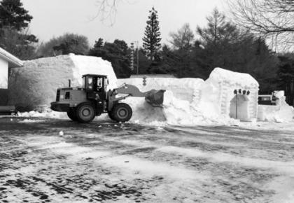 长春市多个公园雪雕拆除 冰上游乐项目撤出