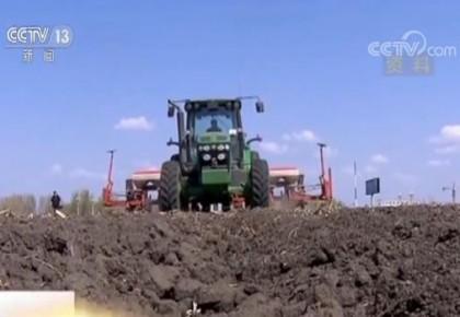 农业农村部:今年将深入推进种植结构调整 增加紧缺产品供给