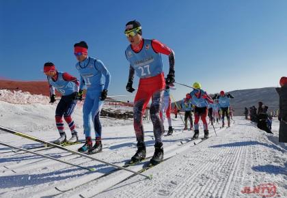 """我省16名选手角逐""""二青会""""越野滑雪项目"""
