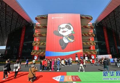 为大变局的世界注入强大信心——从全国两会看奋进中国的发展胸怀