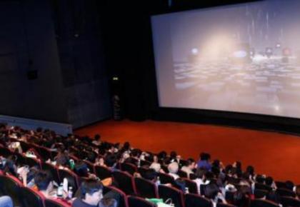 2019观影人群有变化!年长观众越来越喜欢走进电影院
