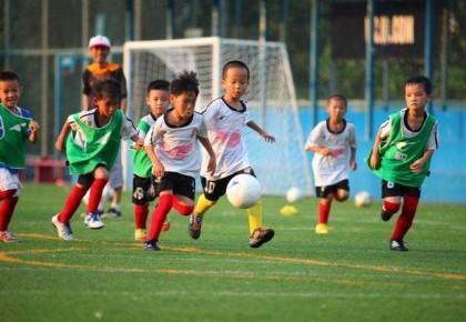 今年全国将建3000余所足球特色幼儿园