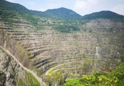 """【看长江之变】从""""亚洲第一天坑""""到国家4A景区 黄石国家矿山公园的生态转型之路"""