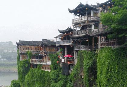 """""""可爱的中国""""之土家族:依山而建 枕水而眠 民居建筑中的生态智慧与文化传承"""