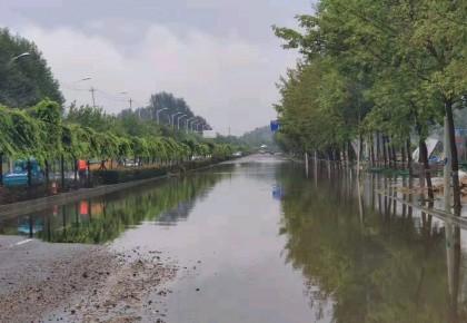 长春双阳城区仍有两处积水路段 住建部门全力疏通