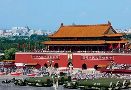 回顾新中国14次国庆阅兵,每个瞬间都是国人记忆中的经典