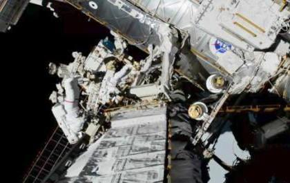 史上首次!国际空间站实现全女性宇航员太空行走