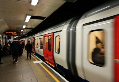 交通运输部新规:乘客不得在地铁内进食