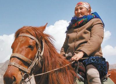 """""""人民楷模""""布茹玛汗·毛勒朵—— 半世纪,放牧巡边在祖国最西端(国家勋章和国家荣誉称号获得者)"""