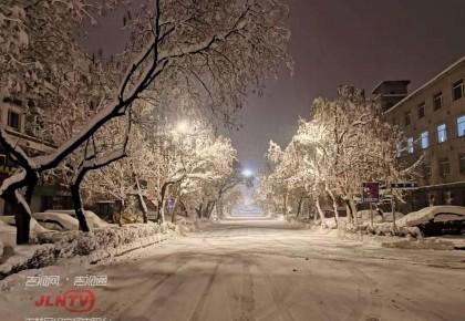 我省出现大范围降雪天气 通化市区最深达37厘米
