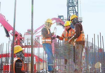 """""""疫情让我们更加团结"""" ——走进埃及新首都中央商务区项目施工现场"""