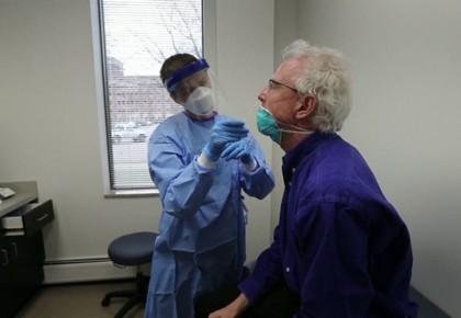 """英国医学杂志《柳叶刀》最新研究认为""""群体免疫""""控制疫情恐难实现"""