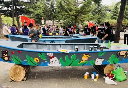 長春市南湖公園打造特色花船 把風景畫在游船上