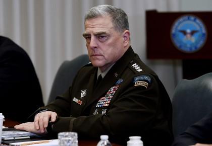 曾與新冠肺炎確診患者接觸 美軍最高將領馬克·米利正在隔離 等待檢測結果