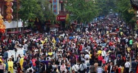 人口总量平稳增长 人口素质显著提升——新中国成立70周年经济社会发展成就系列报告之二十