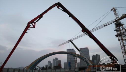 长春地铁二号线东方广场站二期主体全面完成封顶