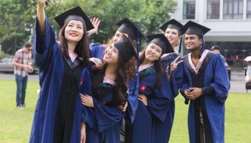 教育部:近五年230余万留学生学成回国