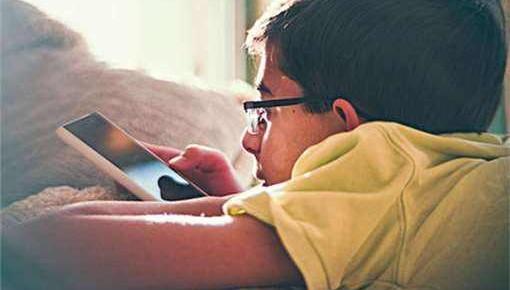 教育部:制定预防学生沉迷网络工作制度 规范手机使用