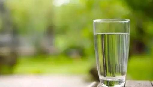 早上起床要不要喝水?第一杯该喝什么?一次全说清楚了