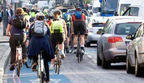 早起20分钟步行或骑车上班可降低患心脏病风险