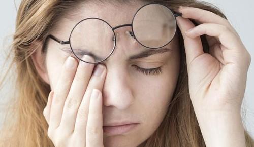 如何延缓眼睛衰老?维生素与矿物质来帮忙