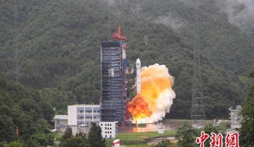 """中国""""一箭双星""""成功发射第三十三、三十四颗北斗导航卫星"""