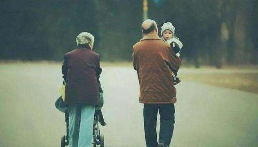 """""""老漂""""父母:只要别嫌我老,你漂,我就漂"""