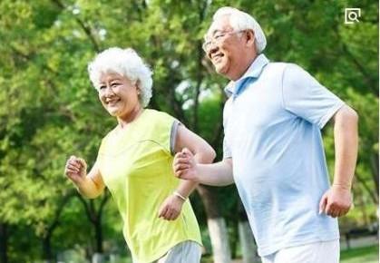 快走可降低心血管疾病风险 对老人效果尤其显著