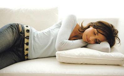 睡眠不足有风险 睡懒觉也有理由了?