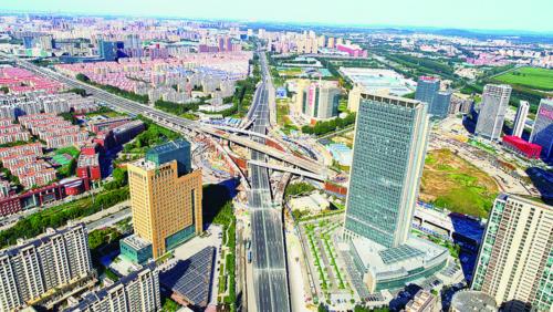 南四环路主线桥梁通车 四环方向车辆可直接跨越生态广场行驶