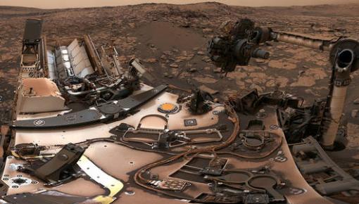 """""""好奇""""号火星车发回火星""""全景自拍"""""""