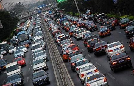 全国机动车保有量达3.22亿,机动车驾驶人达4.03亿人