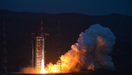我国首台空间路由器成功发射
