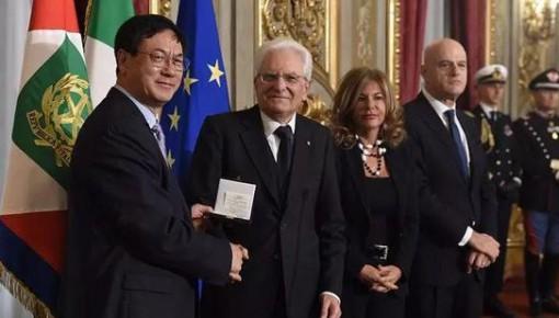 """""""能源界诺贝尔奖""""颁发!华人科学家首次摘得"""