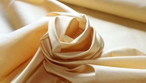 机洗真丝衣服可行吗?丝绸、洗涤剂、洗衣机等三个行业共同研发机洗标准