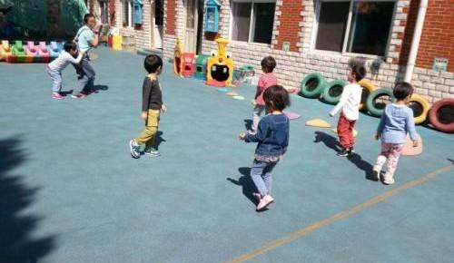 研究发现:增加户外活动时间,可降低儿童近视风险!