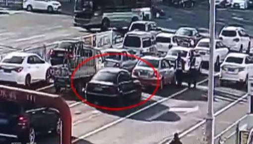 视频|无证驾驶套牌车 更恶劣的是……