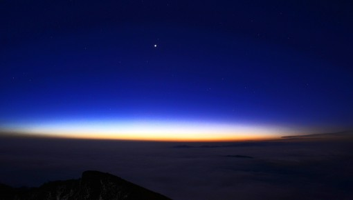 """12月2日晨可见最亮""""启明星"""" 584天才会发生一次"""