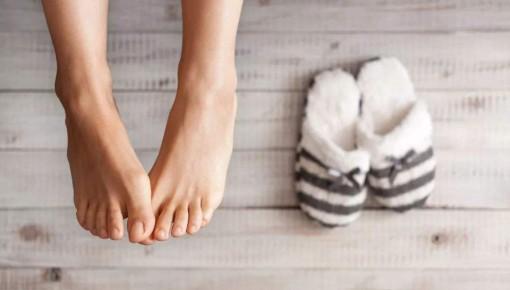 手脚冰凉是病吗?几个小技巧教你告别手脚冰凉