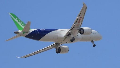 C919国产大型客机103架机首飞成功