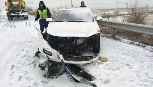 雪天高速陆续管制 这些高速站口暂时封闭……