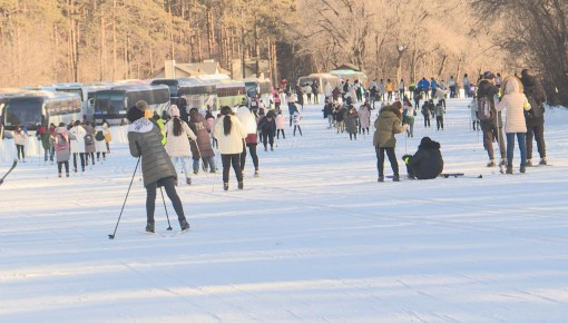 大学生越野滑雪培训活动正式启动