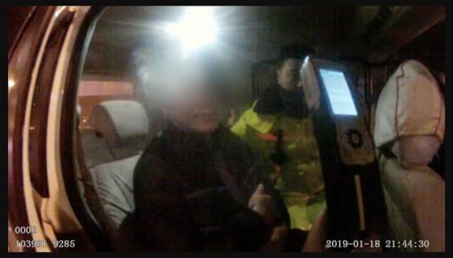 男子酒后开驾校教练车被抓现行
