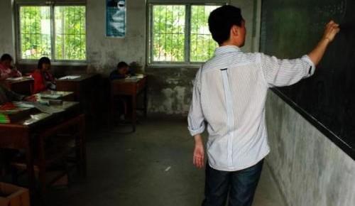 《中国农村教育发展报告2019》:乡村教师队伍建设成效明显