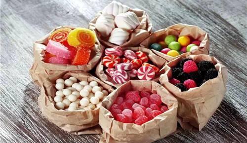 工作使人发胖?警惕办公室小零食增加卡路里摄入