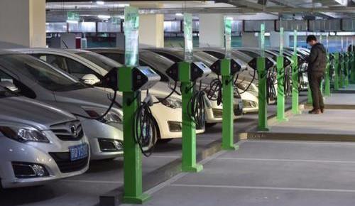 新能源汽车产销增速超50% 发展前景乐观