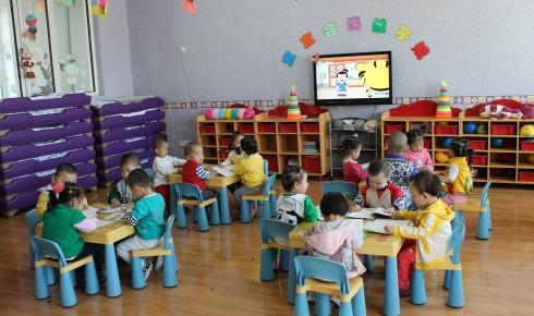 城镇小区配套幼儿园治理要坚持公办民办并举不动摇